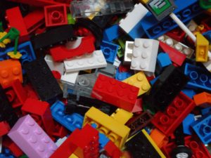 Building blocks in a pile